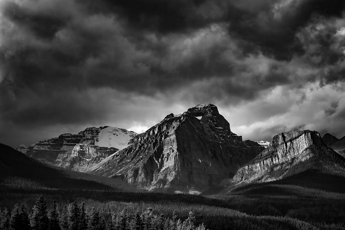 Lake Louise, AlbertaImage no: 16-383844-bw   Click HERE to Add to Cart