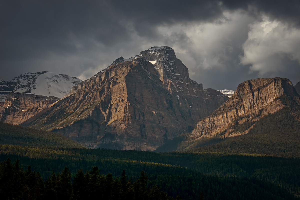 Lake Louise, AlbertaImage no: 16-383857   Click HERE to Add to Cart