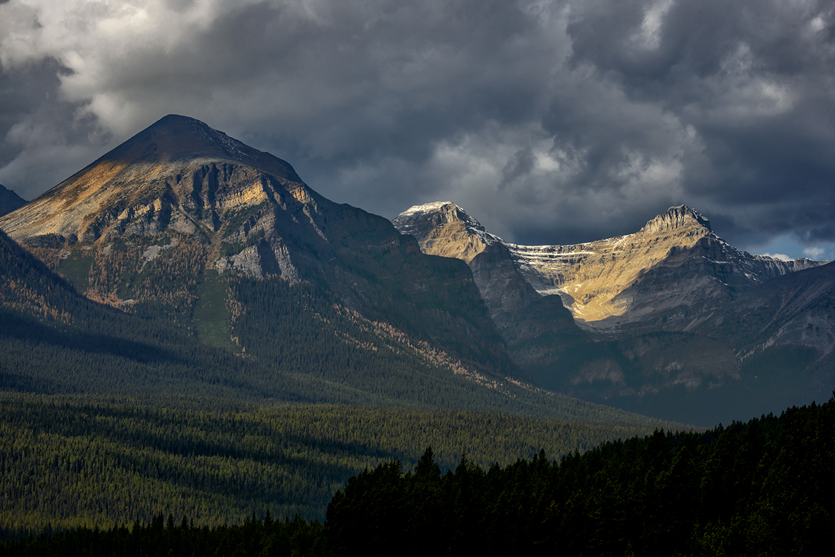 Lake Louise, AlbertaImage no: 16-383859   Click HERE to Add to Cart