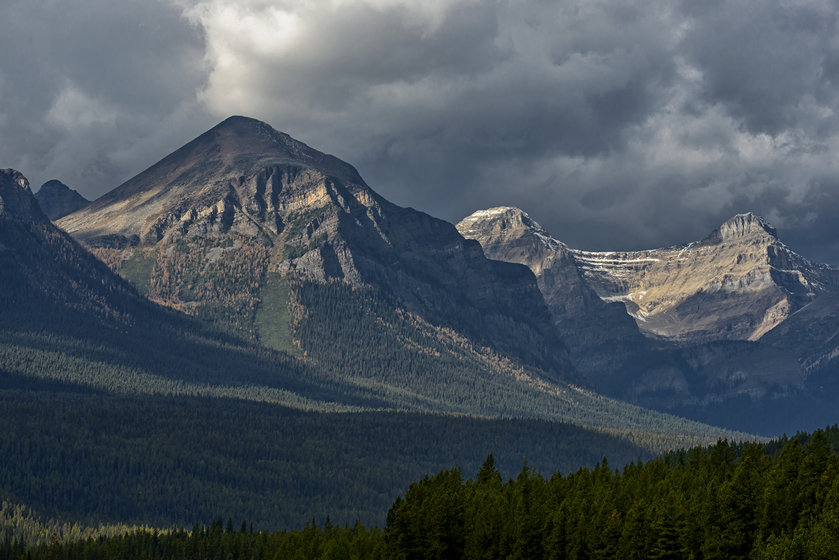 Lake Louise, AlbertaImage no: 16-383860   Click HERE to Add to Cart