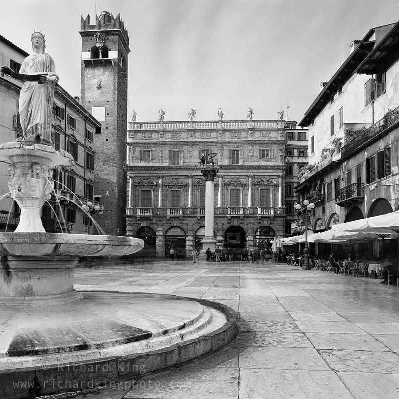 Old Town, Verona, ItalyImage no: 040191.01Click HERE to add to cart