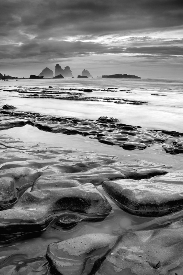 From curves to stacks, the rocky beach of GreyMouth was a treat to work with.