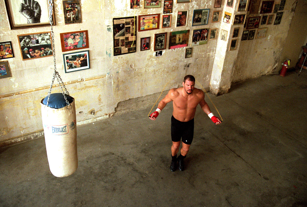 Tommy Morrison jumps rope as he trains at the Main Street Gym on September 28, 1995 in Tulsa, Oklahoma.