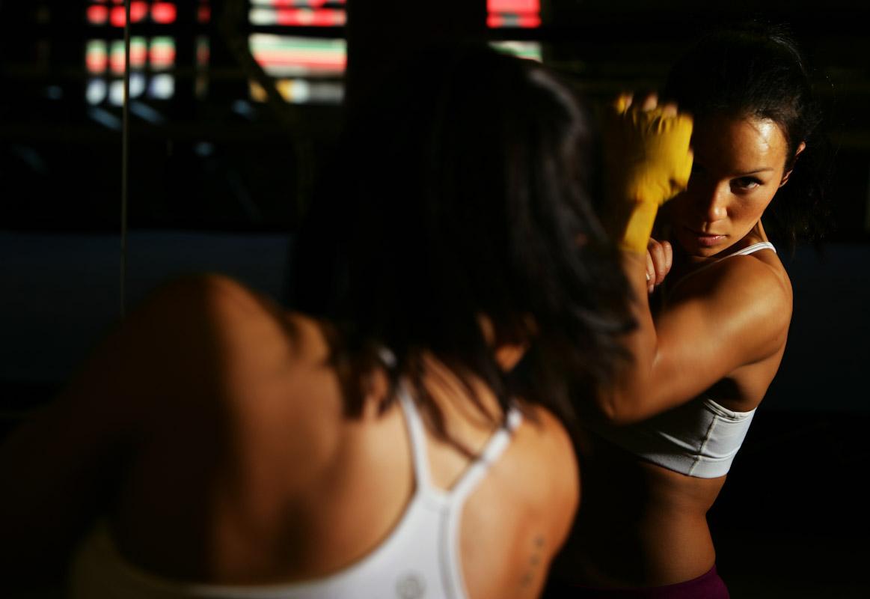 Noriko Kariya of Toronto, Canada trains at Arden's Sweet Science Gym on May 10, 2005 in Brooklyn, New York.