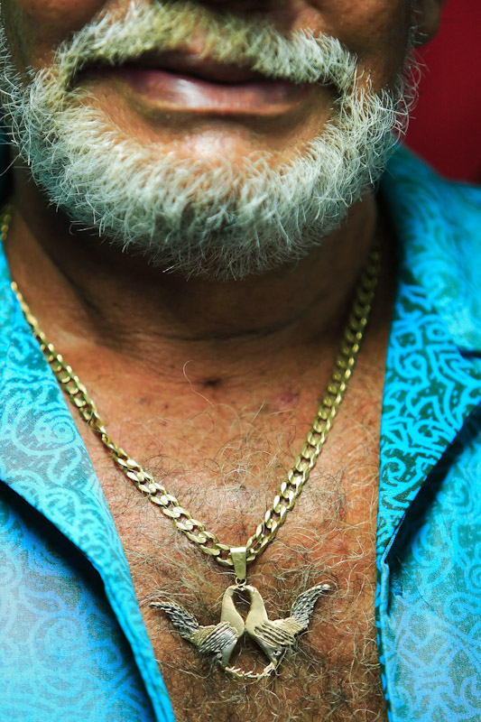 COCKFIGHTING IN PUERTO RICO : : Al Bello Photographer : Al