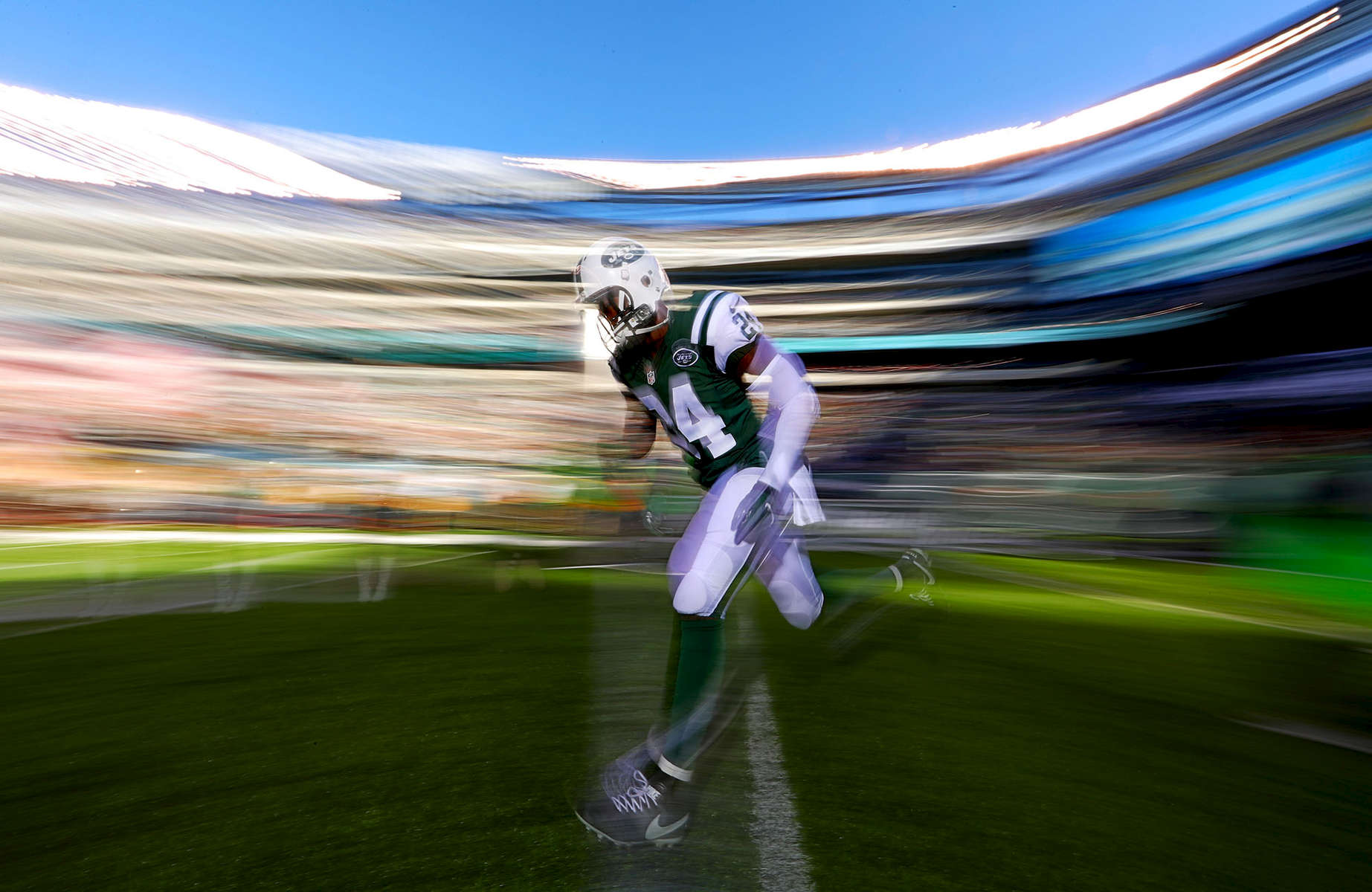 Darrelle Revis #24 of the New York Jets takes the field before the game against the Los Angeles Rams at MetLife Stadium on November 13, 2016 in East Rutherford, New Jersey.
