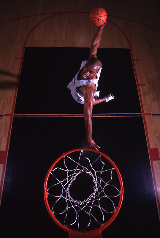 NBA All star Vince Carter poses in October, 1998 at Chelsea Piers in New York City.