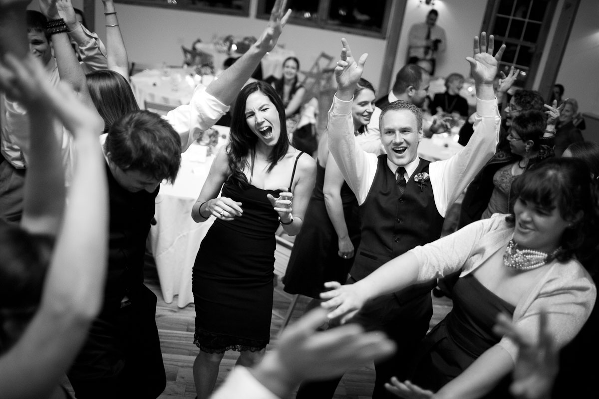 portfolio-afterparty-photography-wedding-photographer-burlington-vermont-vt-photojournalism-documentary-wedding-08