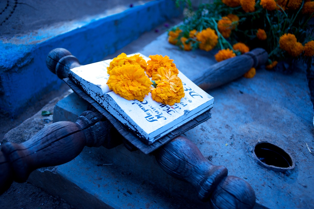 Oaxacan grave, Day of the Dead, Oaxaca, Mexico, marigolds, death, funerals, farewells,  Day of the Dead