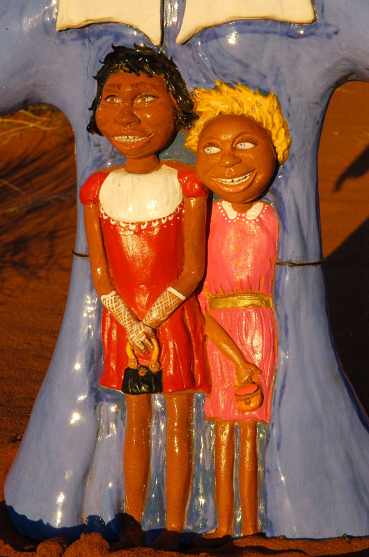 Australia, Aborigina oral history. Stolen generations, Uluru.