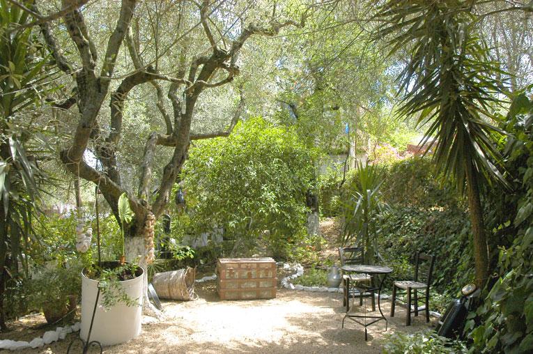 ithaka-garden-cafe