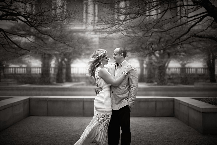 Chicago-River-Walk-Art-Institute-Garden-Engagement-Session-06