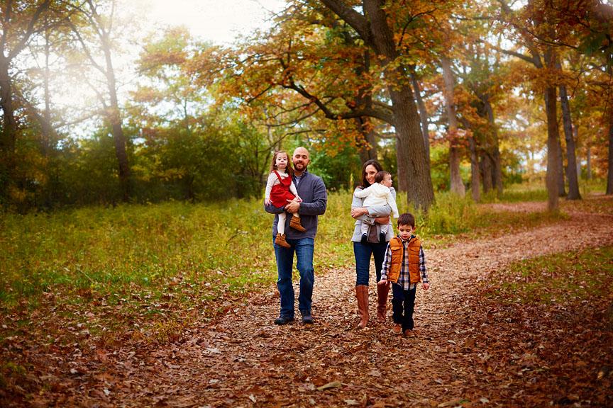 Fall-Chicago-Cantigny-Gardens-Family-Session-009