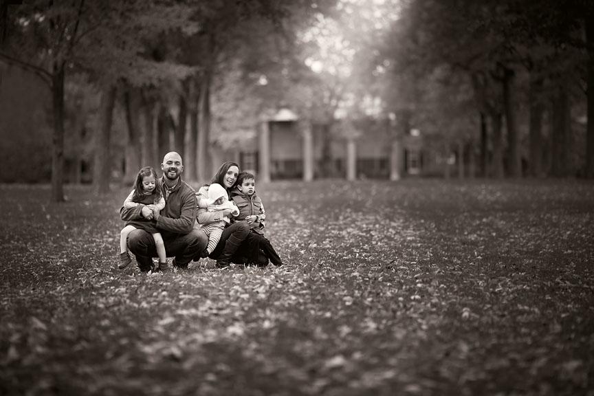 Fall-Chicago-Cantigny-Gardens-Family-Session-011