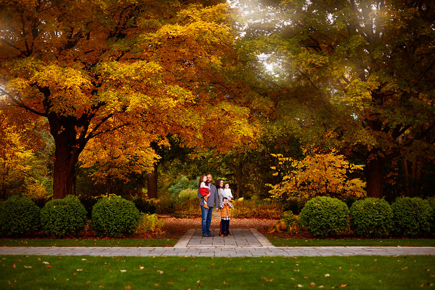 Fall-Chicago-Cantigny-Gardens-Family-Session-027
