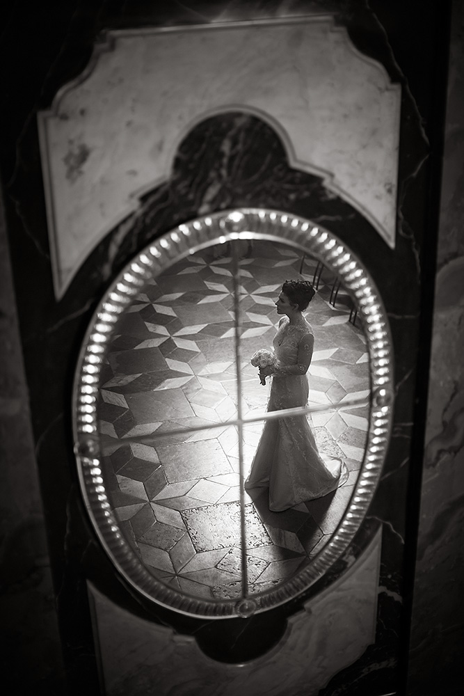Fine-Art-Black-and-White-Wedding-Photography-Chicago-Prague-08