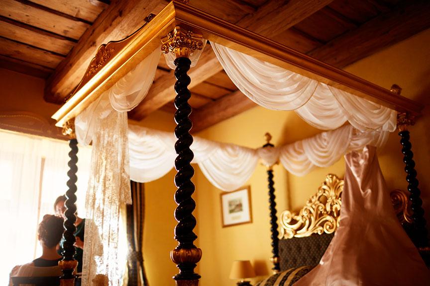 Prague-Destination-Wedding-Elopement-Clementinum-Alchymist-024