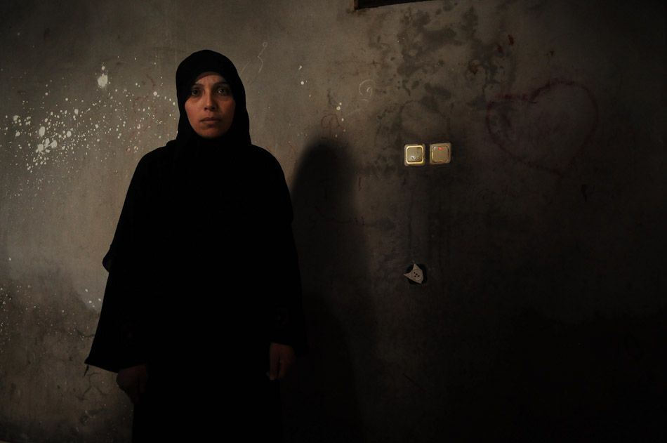 Kauthar witnessed her three daughters be shot by Israeli soldiers during Operation Cast Lead. Two of them were killed. The third was  paralyzed.