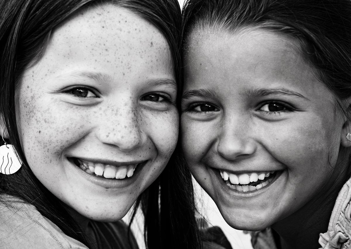 portrait sisters, porträtt systrar