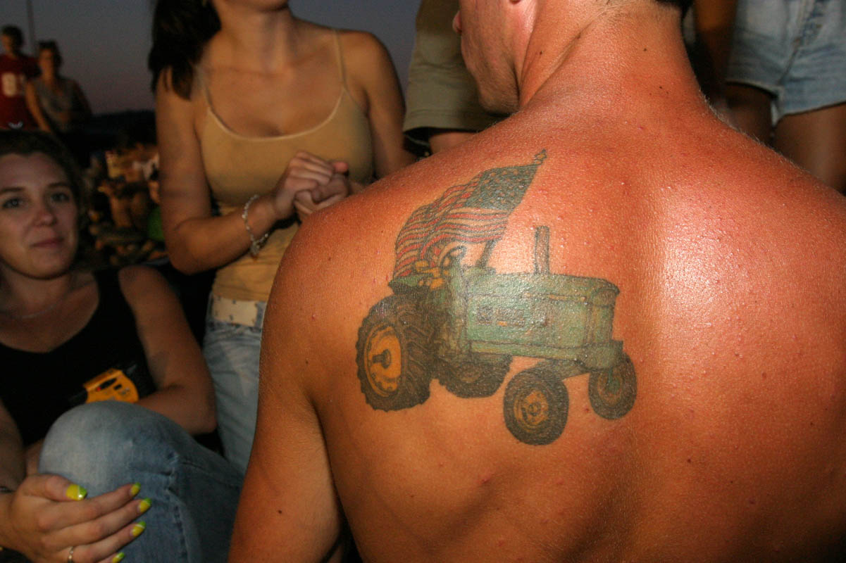 john deere tractors pictures to pin on pinterest tattooskid. Black Bedroom Furniture Sets. Home Design Ideas
