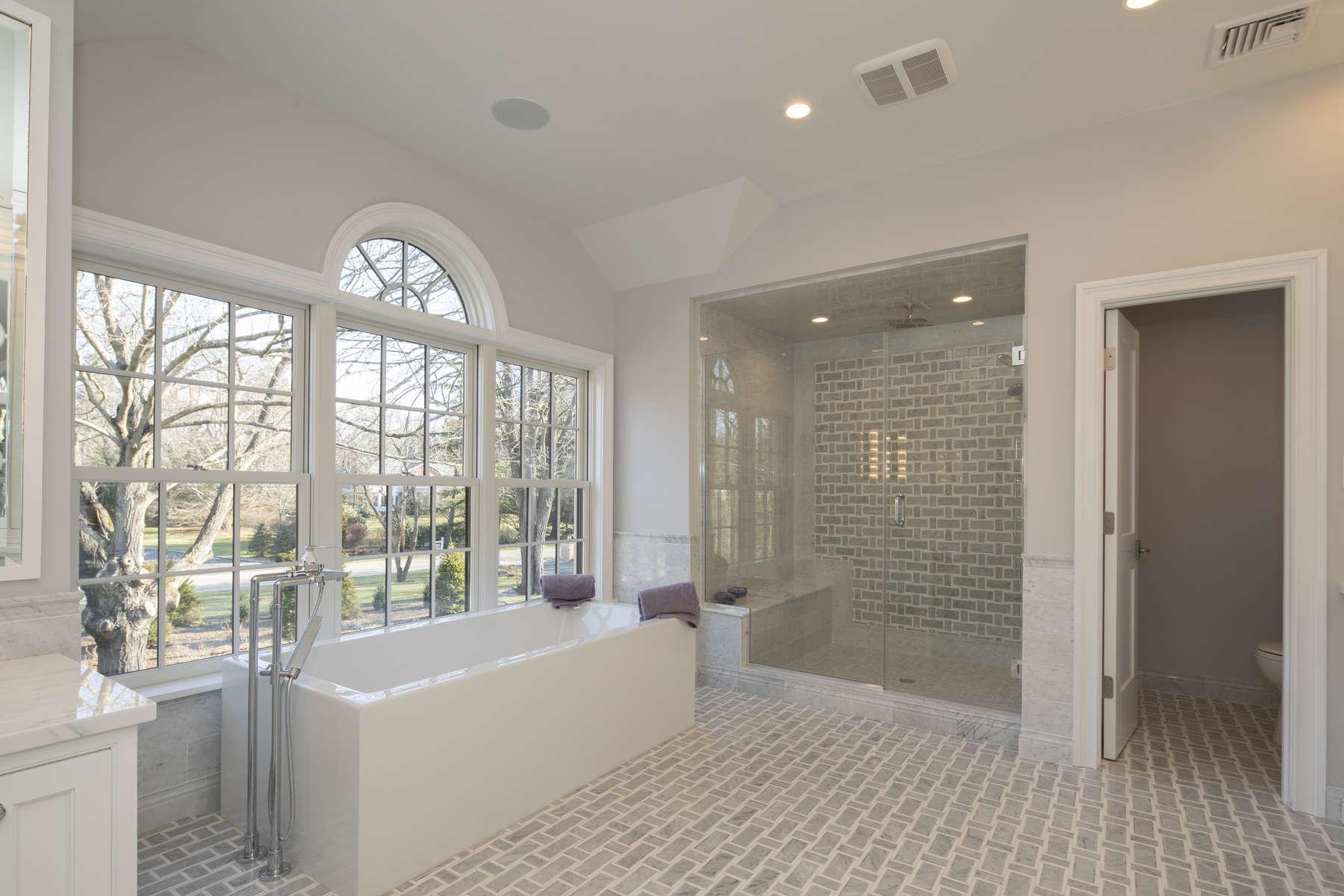 031_Master-Bathroom-