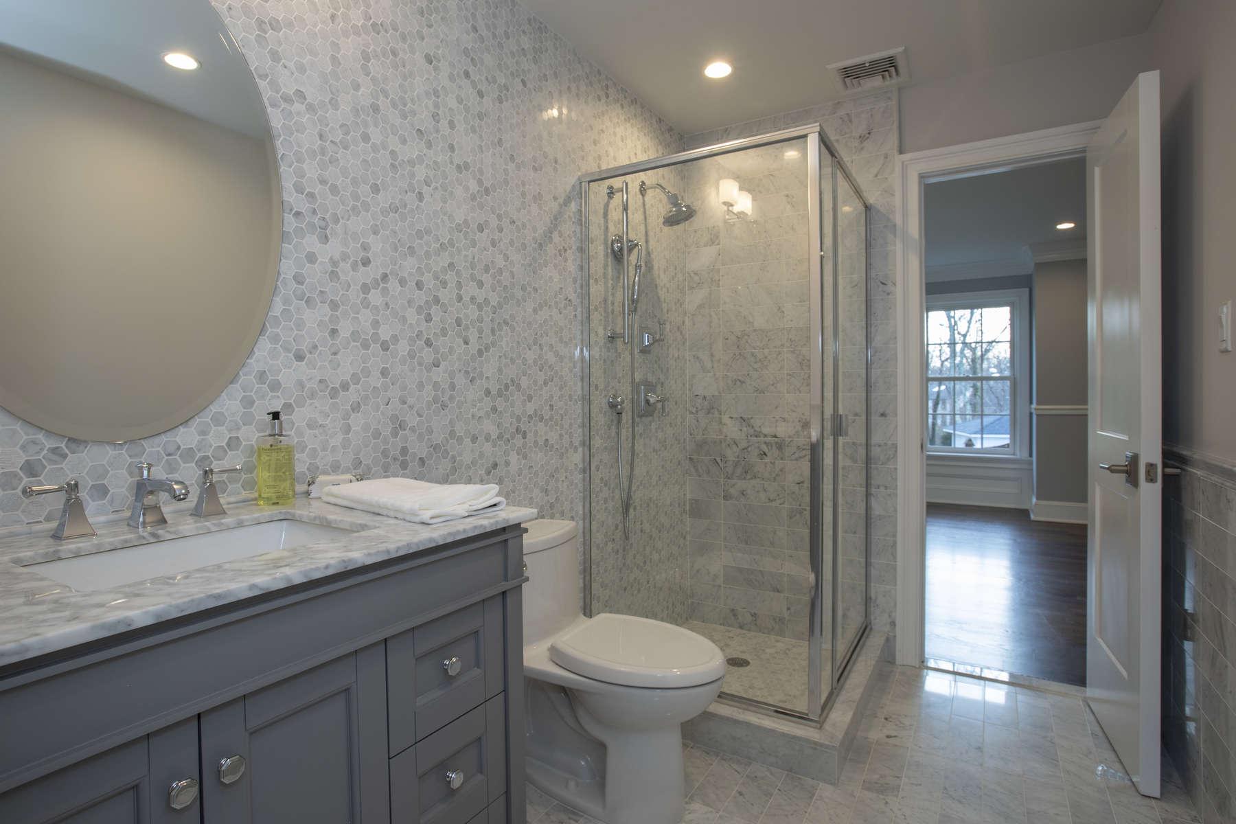 041_Bathroom-
