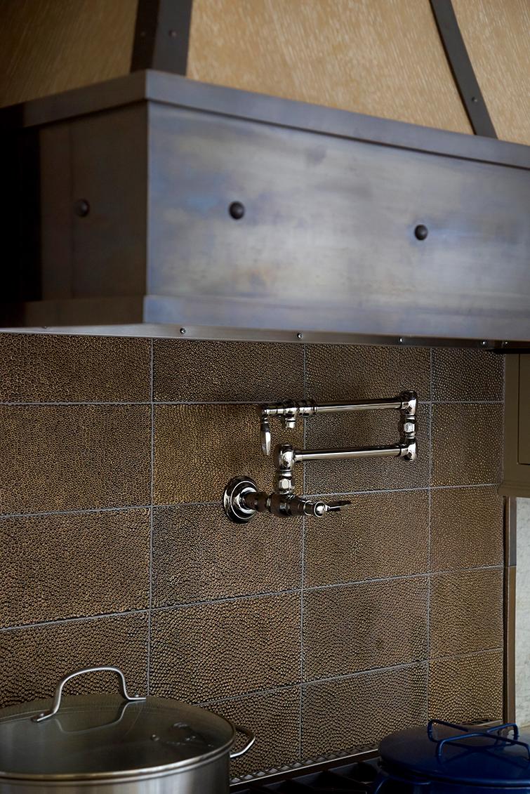 Ventilation Hood With Metal & Cerused Wood
