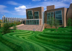 The Vontz Center for Molecular StudiesFrank Gehry and Associates - ArchitectHargreaves Associates - Landscape Architects