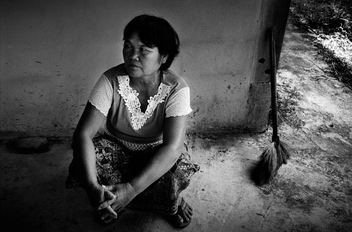 Mrs. Sompong Viengjan (53). As one of the main protesters against the Pak Mun dam she has been arrested many times for her engagement. She is still one of the spokeswomen for the local population with the government.