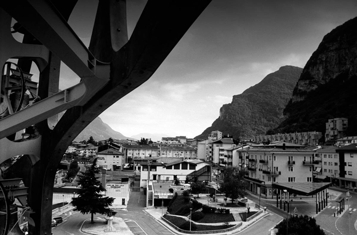 The new town of Longarone. Corruption has always been a matter when it comes to the financing of the riconstruction. Major parts of north-eastern Italy declared themselves as affected areas and businessmen from far away from Vajont managed to benefit economically from the disaster with subsidies and tax reductions. On the contrary many of the survivours got pushed to sign agreements for a minor compensation renouncing to proceed legally.