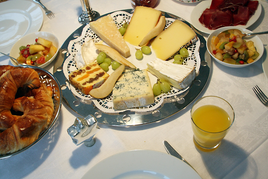 Switzerland_breakfast_1