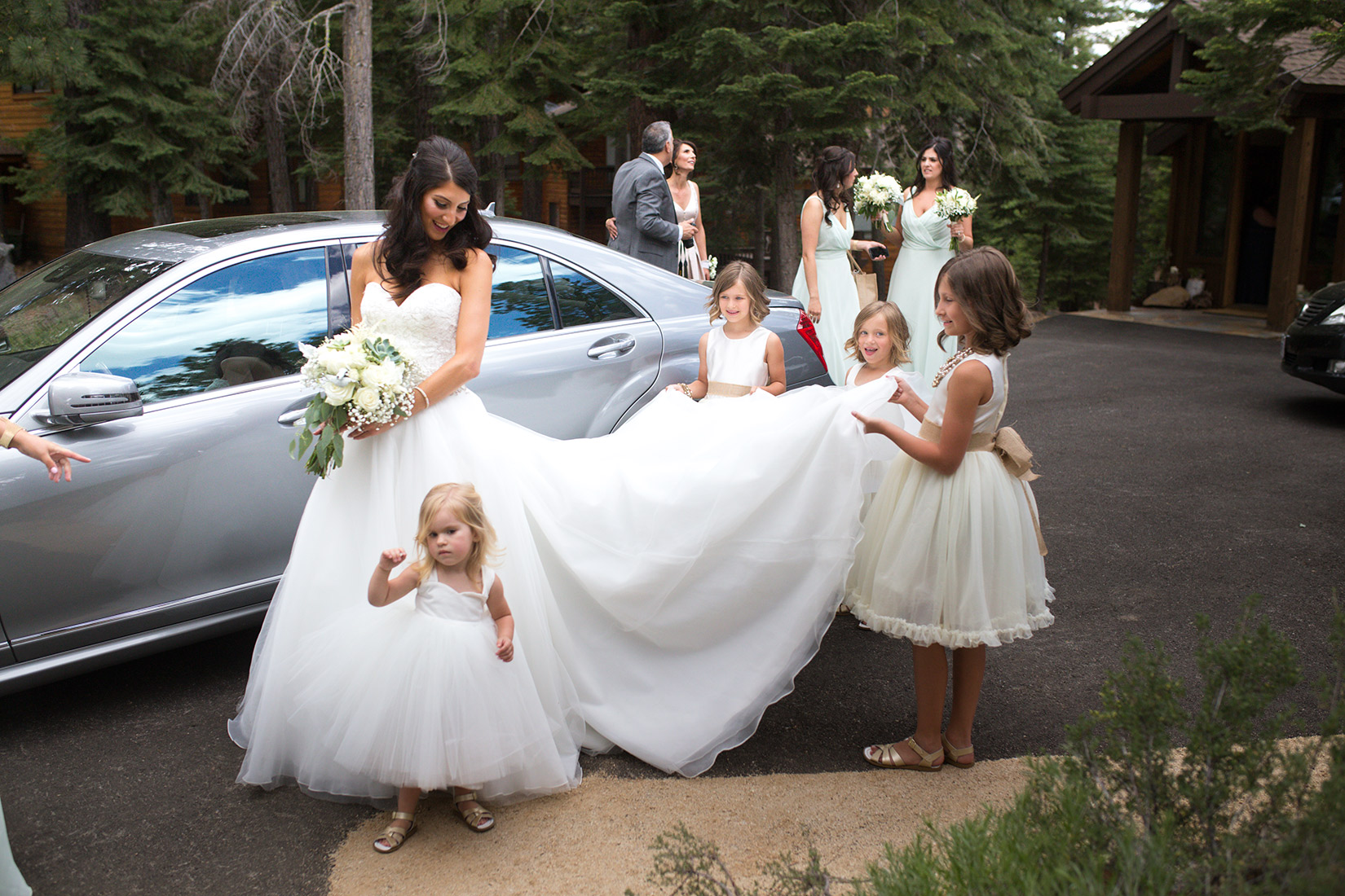 Tahoe-Ritz-flower-girls-and-bride