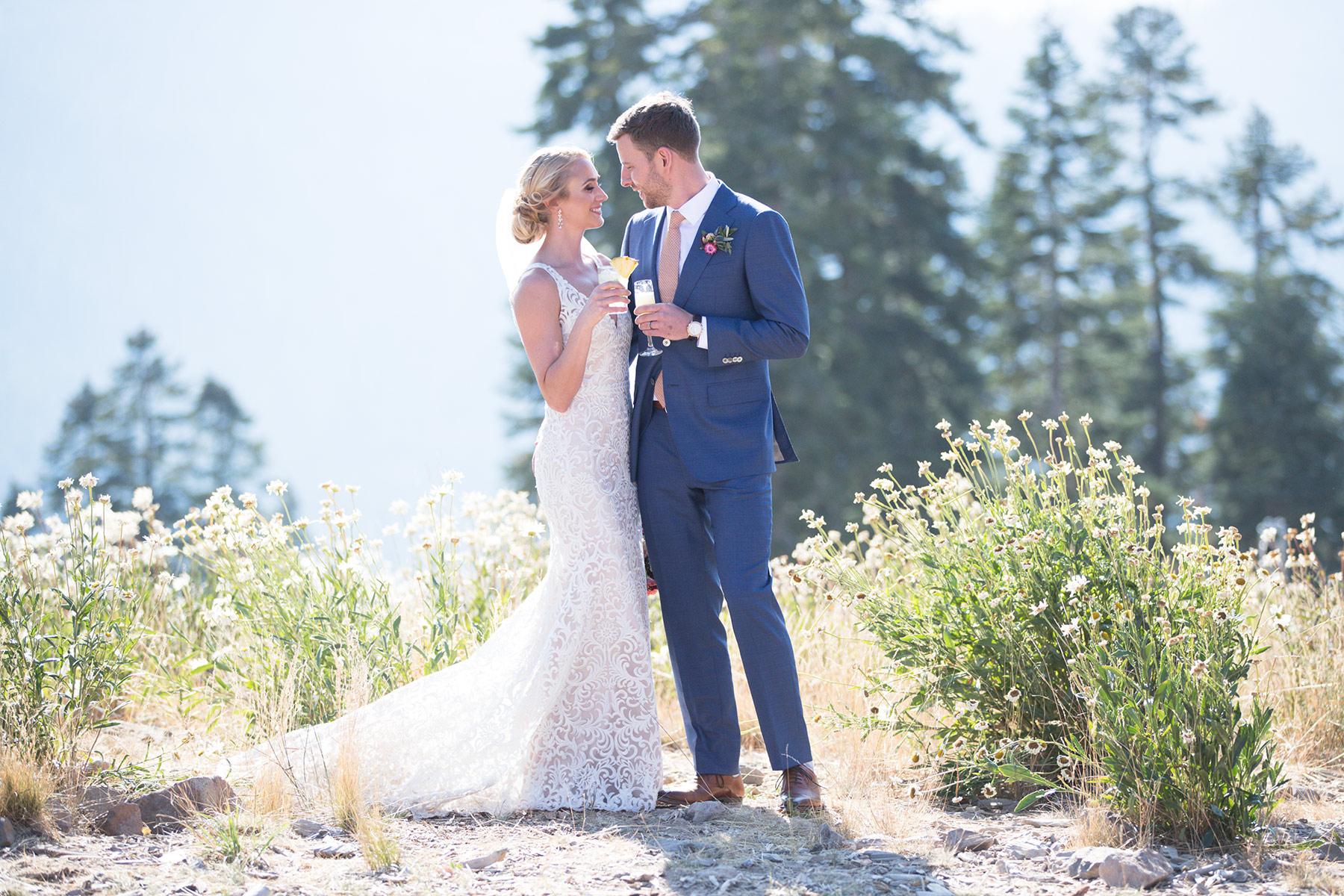 Tahoe-champagne-wedding-cheer