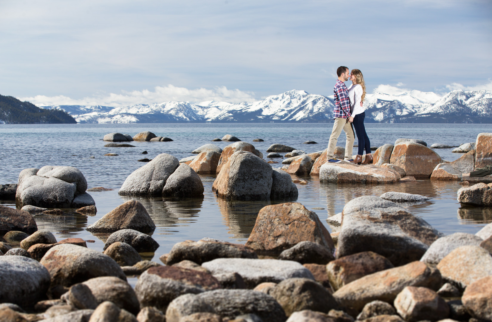 Tahoe-rocks-engagement-fall