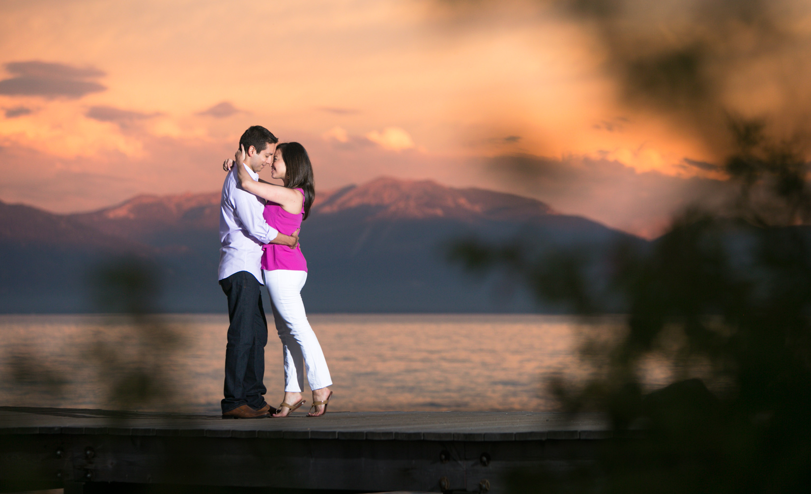 Tahoe-sunset-pier-couple