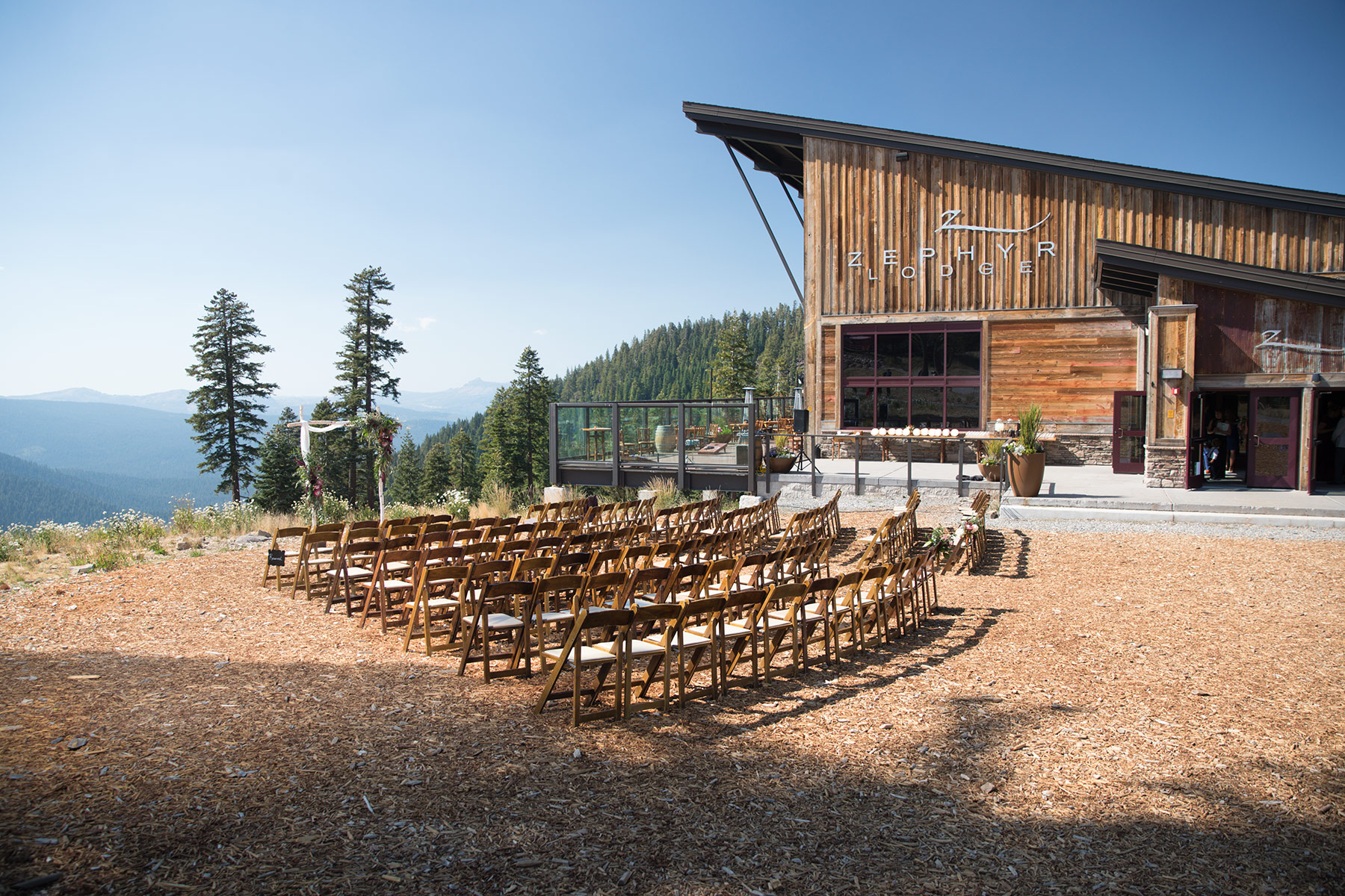Zephyr-Lodge-ceremony-location-set-up