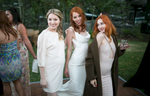 _bride-with-sisters