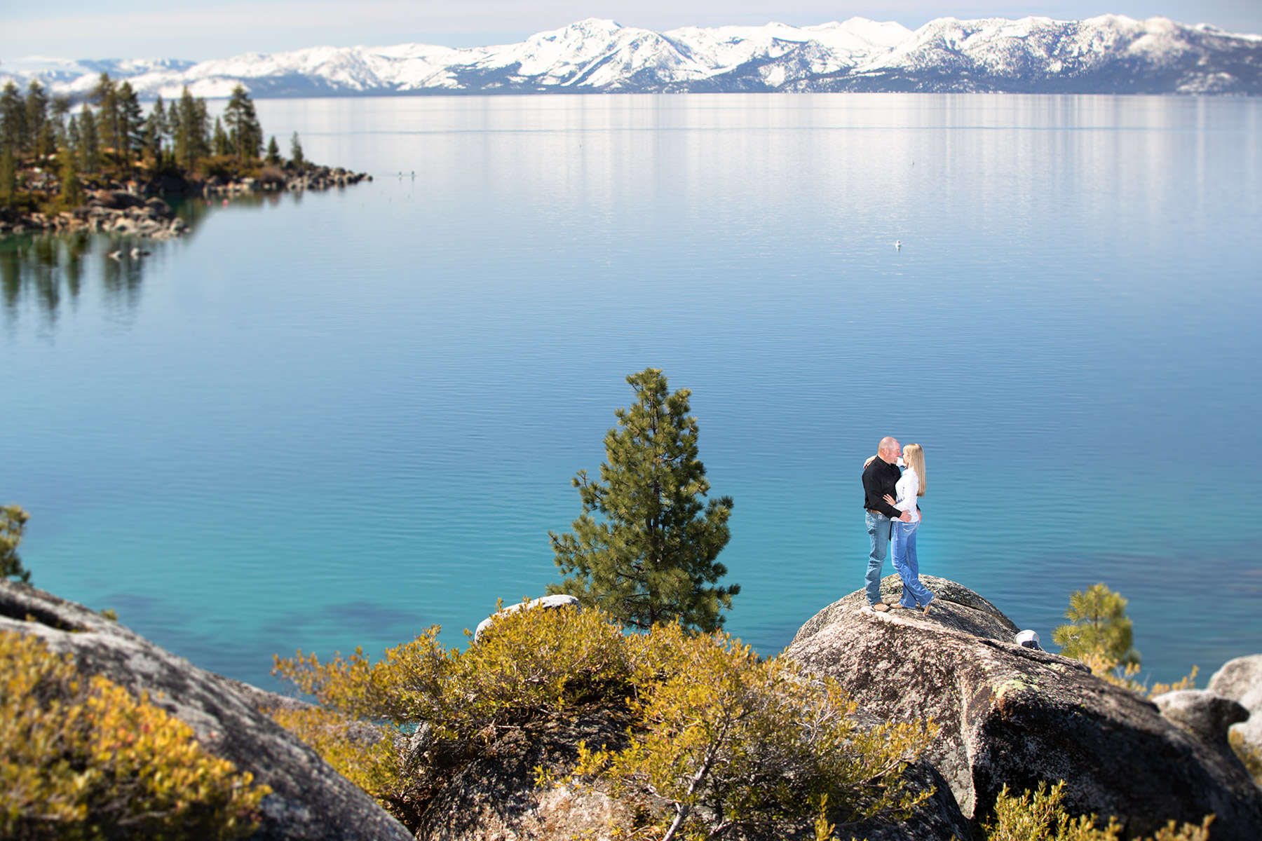 beautiful-Tahoe-blue-water-and-sky-engagement-photography