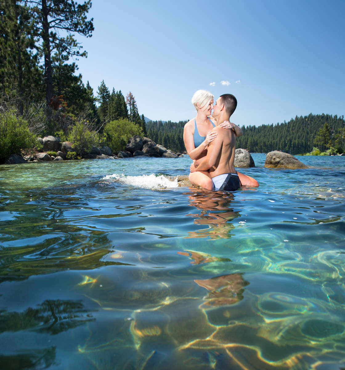 blue-water-Tahoe-engagement-picture