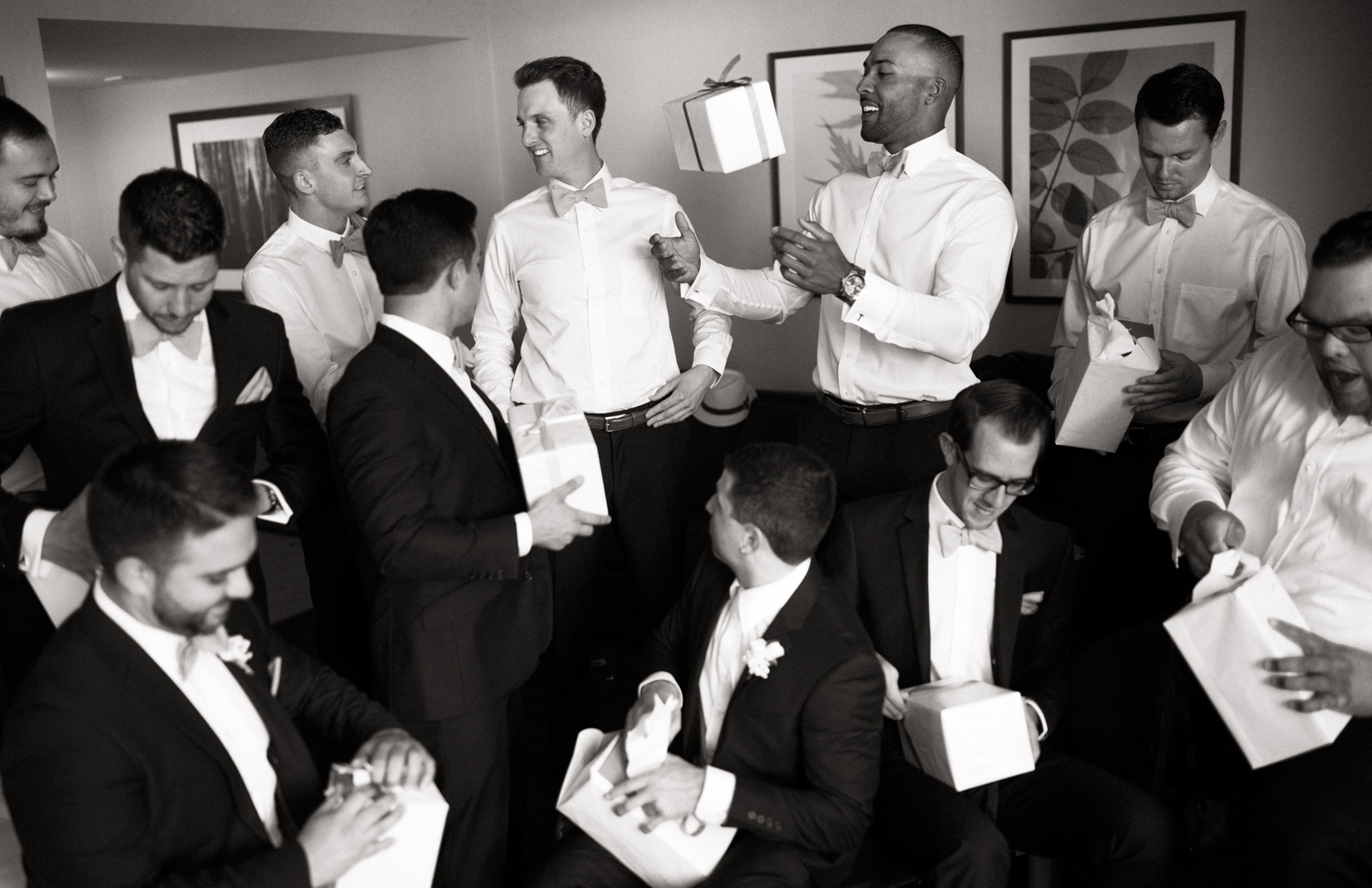 groomsmen-and-gifts