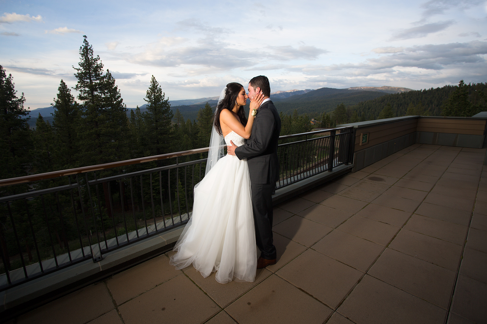 mountains-Ritz-Tahoe-weddings
