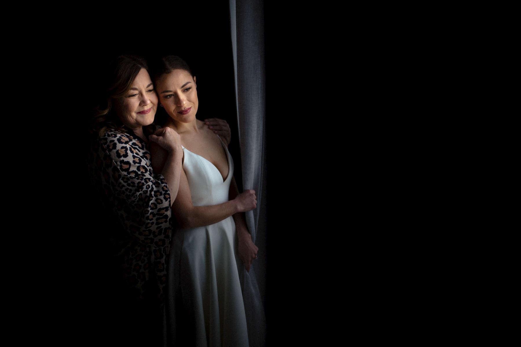reno-wedding-window-light