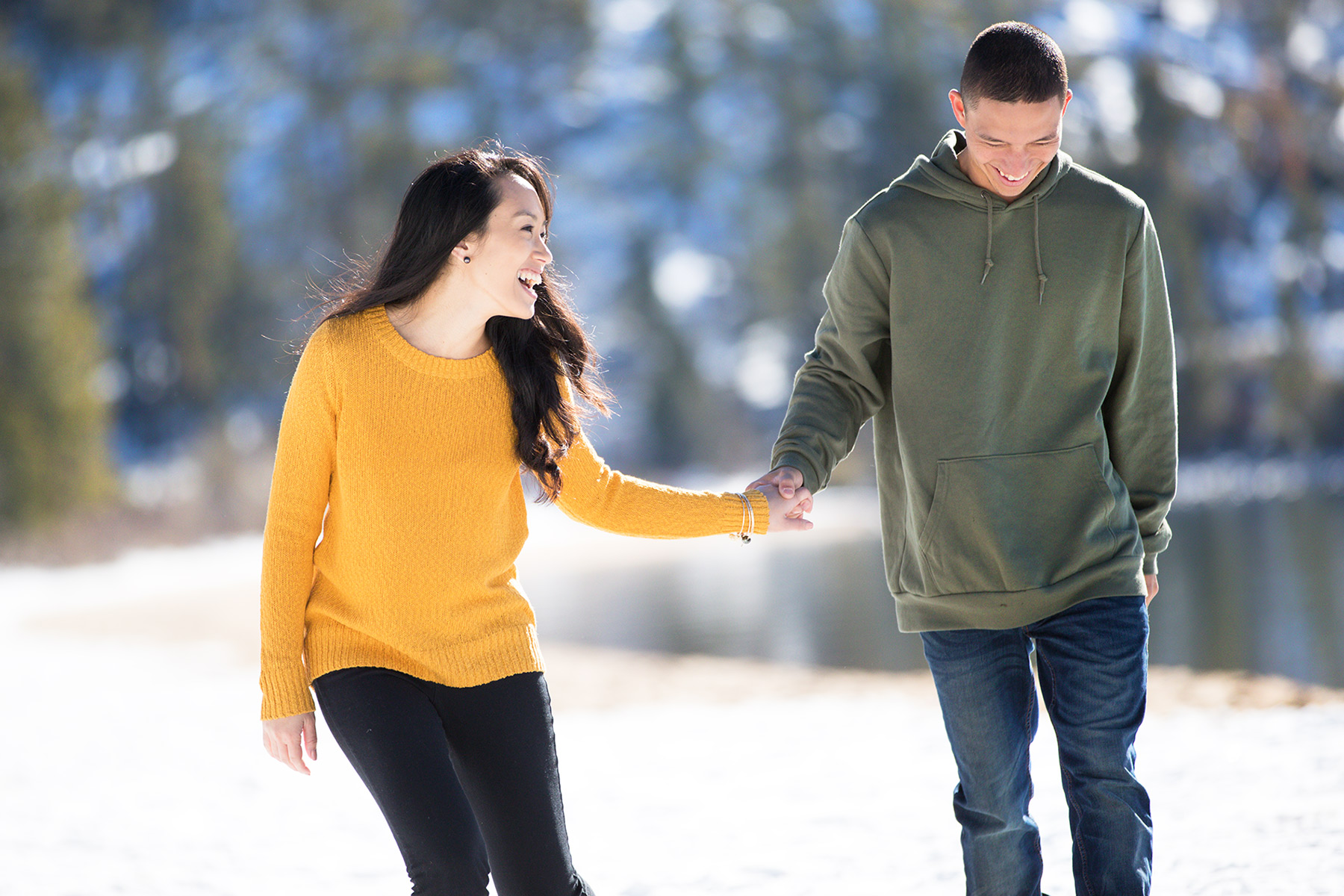 tahoe-winter-engagement-photos