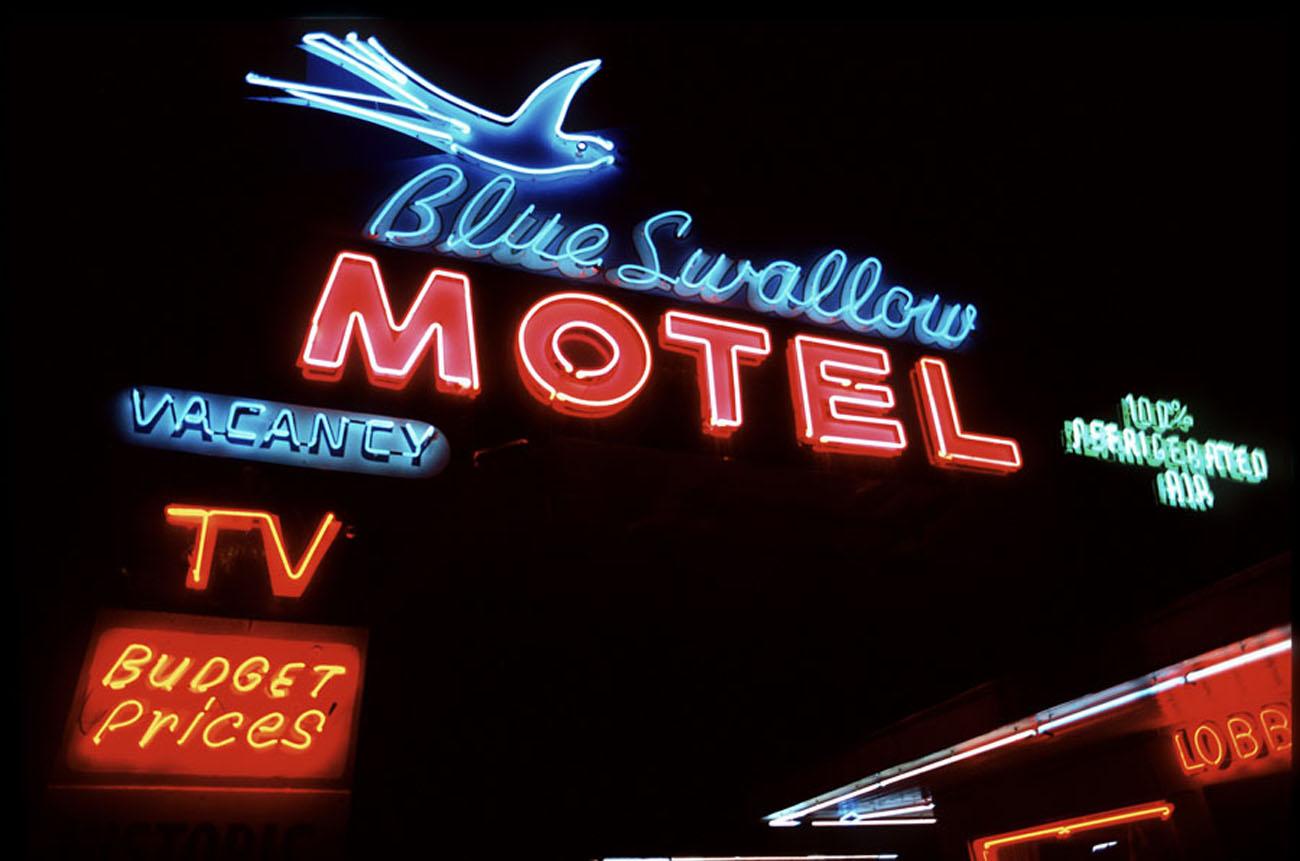 blueswallowsign