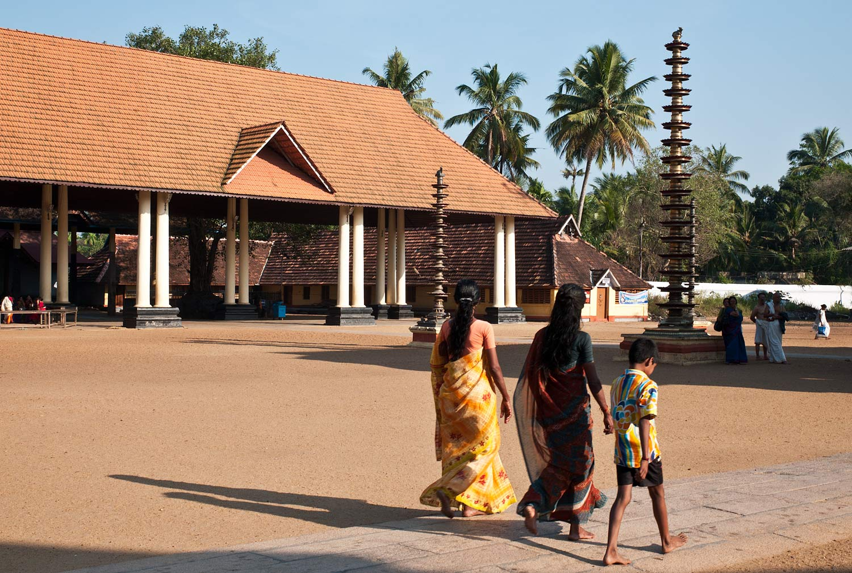 Hindu_Temples_Kerala_India_Campoamor_Architects_13