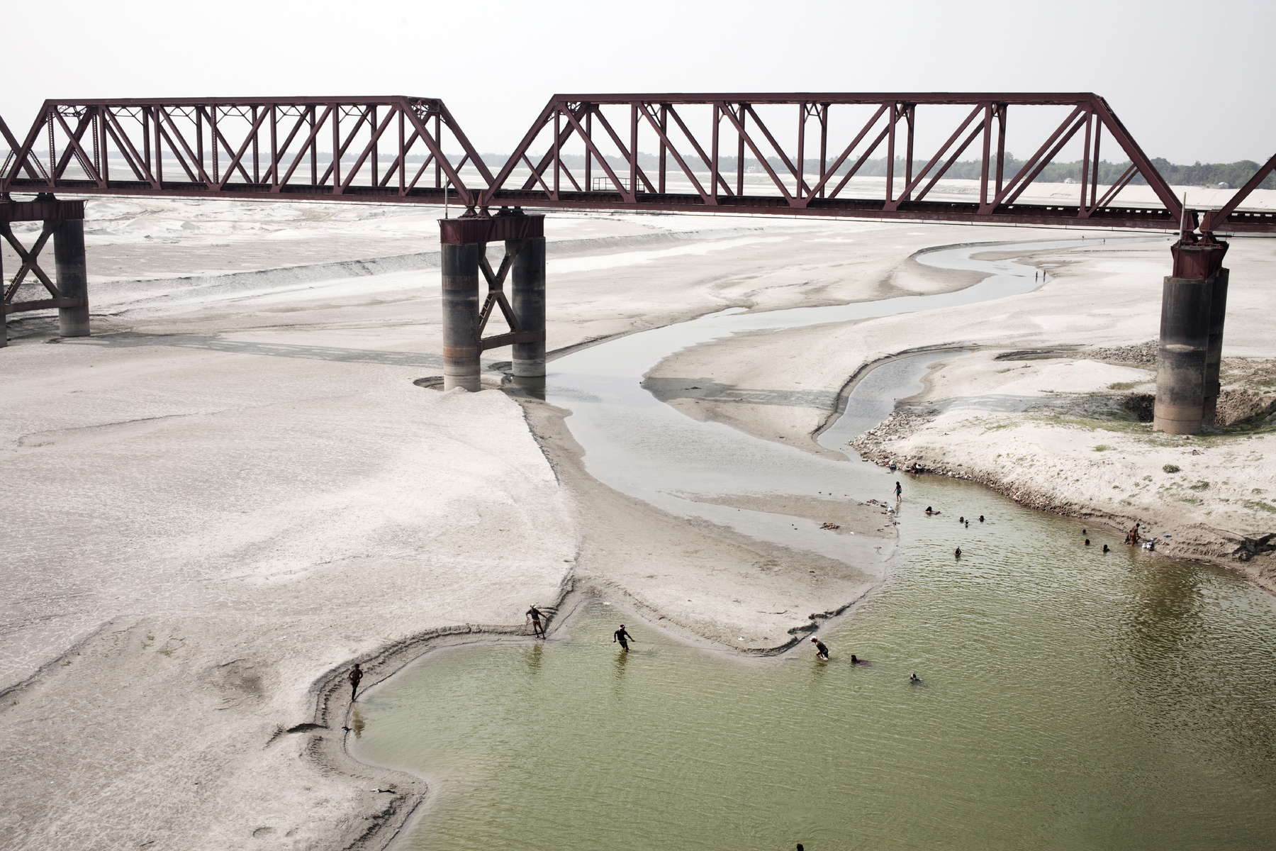 every year, during the dry season, the Ganges waters on the Bangladesh Border drys up due to the farakka Dam beeing closed on the Indian border, March 2014