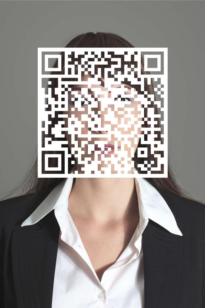 Melanie-Virtual-Mask