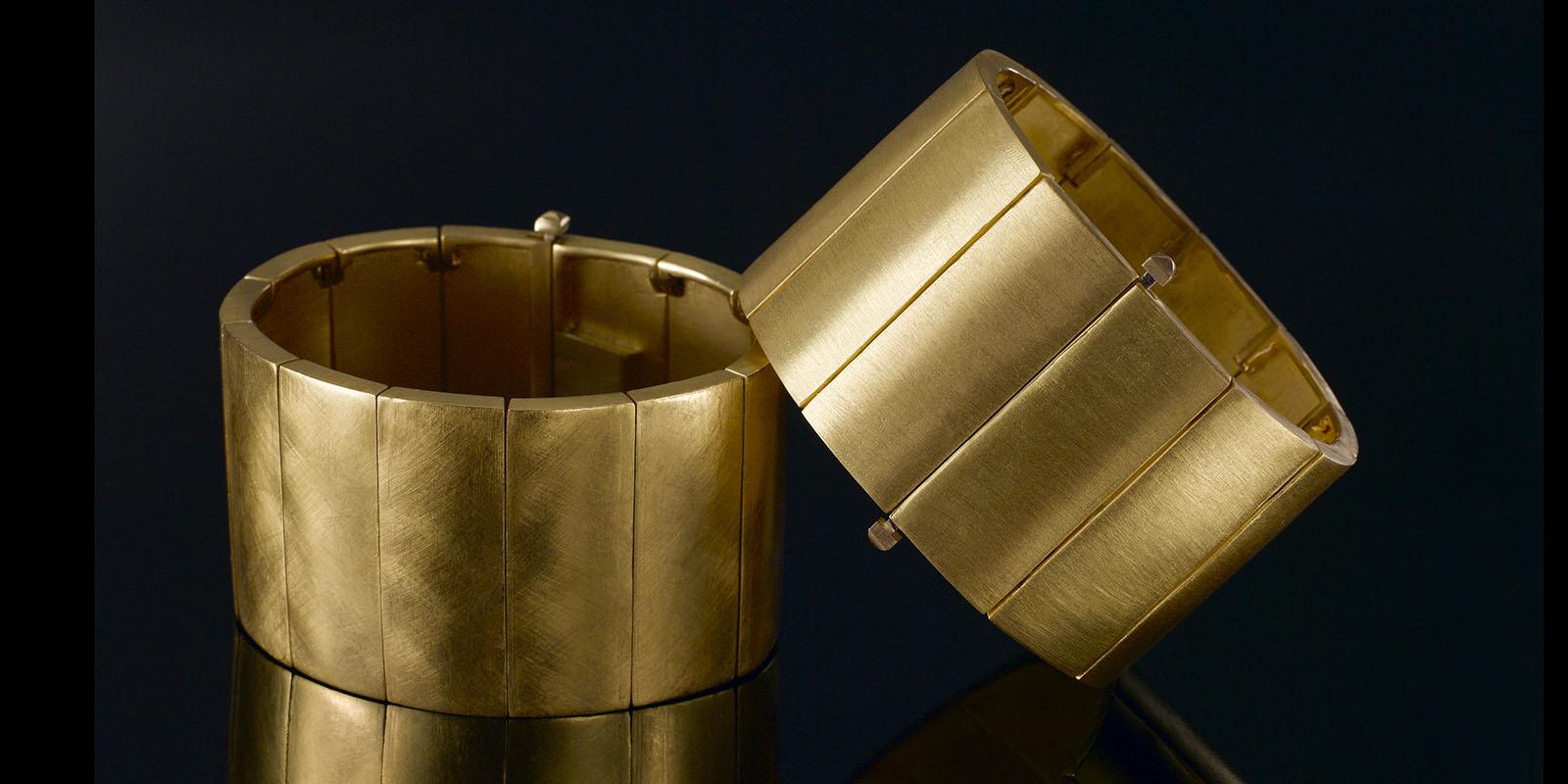 LESLIE bracelet. 22 karat gold