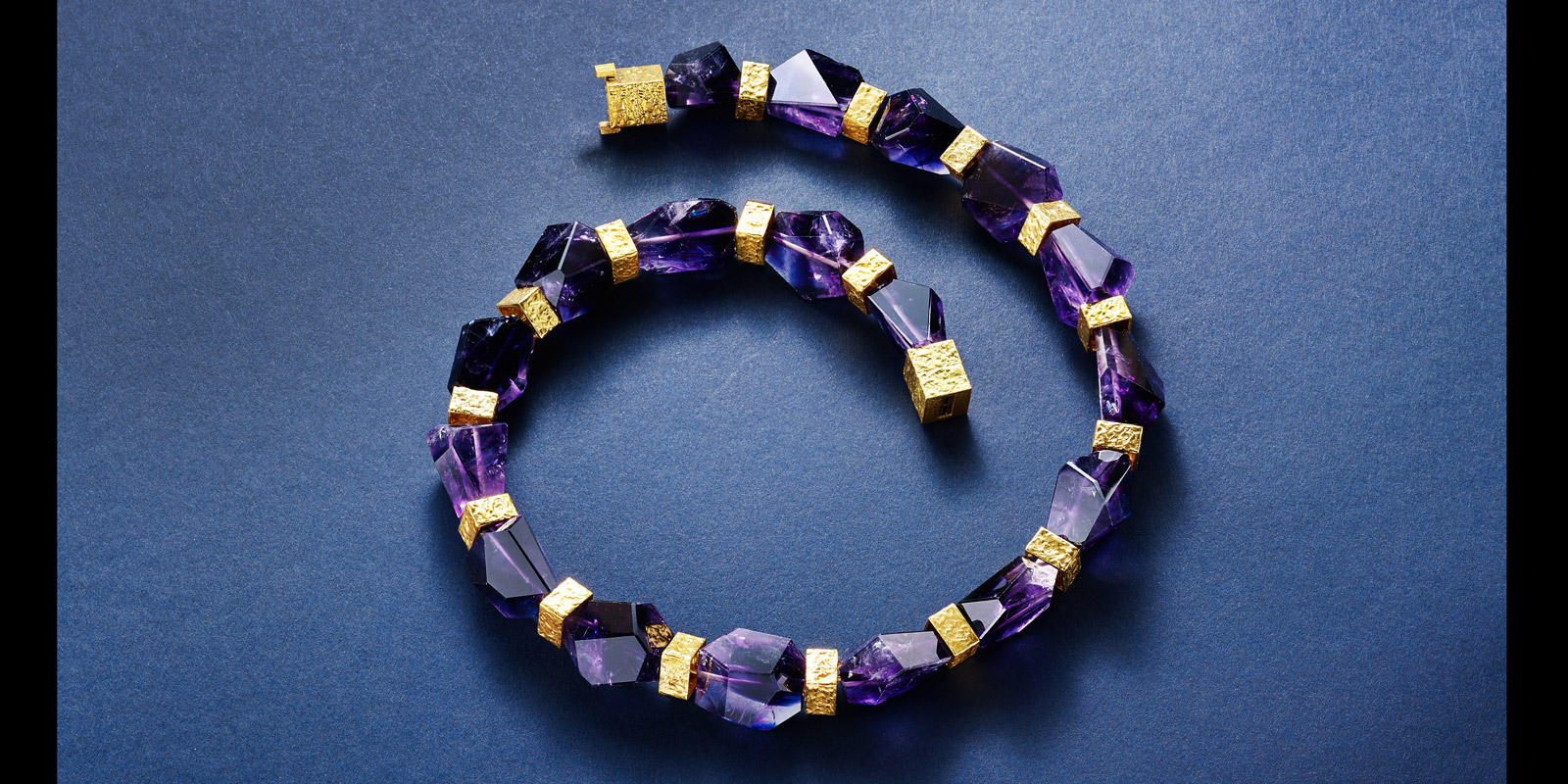 P necklace. 22 karat gold and Amethyst