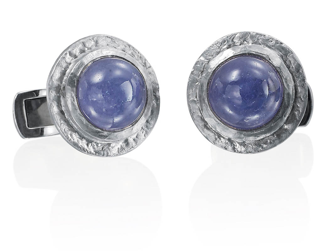 18 karat white gold, Tanzanite